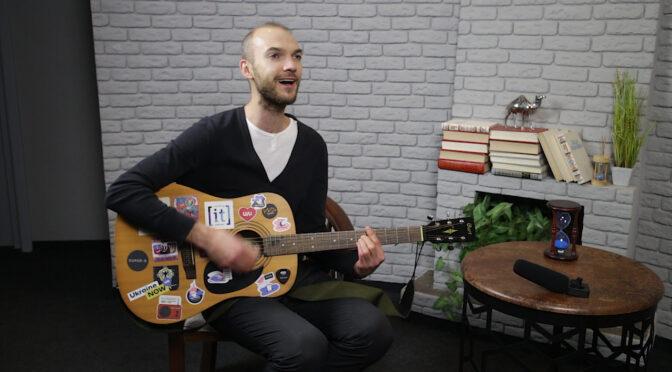 """Журналісти поспілкувалися з фронтменом гурту """"Сонце в кишені"""" Олександром Дубиною"""
