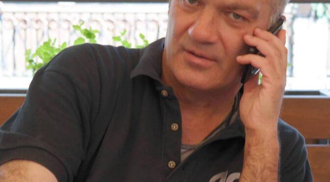 """Колектив телекомпанії """"Антена"""" висловлює щирі співчуття з приводу передчасної смерті нашого колеги, головного редактора газети """"Дзвін"""" Влада Брови"""