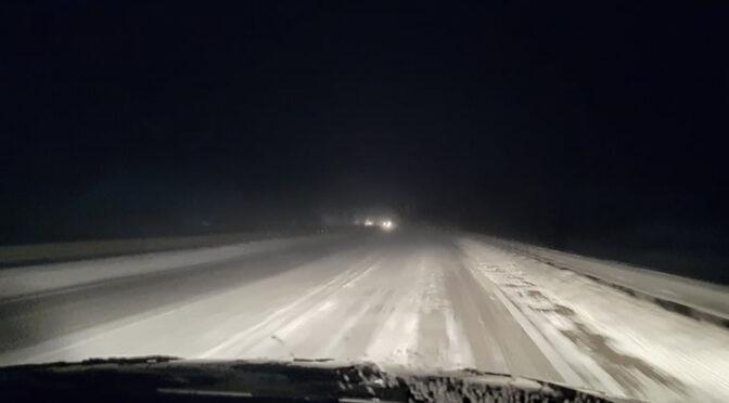 Погодні негаразди: на Черкащині пройшли сильні снігопади та крижаний дощ