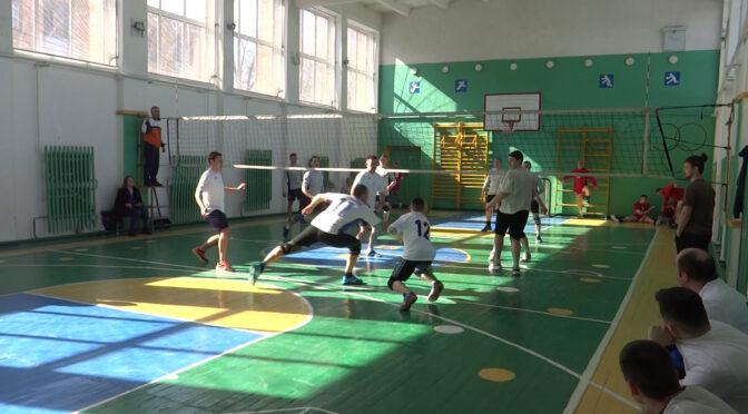 До кінця березня триватимуть ігри  Чемпіонату Сміли з волейболу серед аматорських команд