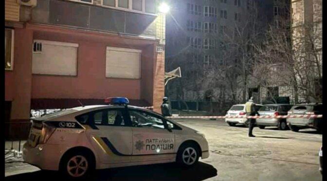 Начальнику одного з  управлінь департаменту освіти ЧМР Богдану Бєлову в машину підкинули гранату