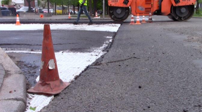 На бульварі Шевченка активізувались ремонтні роботи перед завершальним укладанням верхнього шару ЩМА