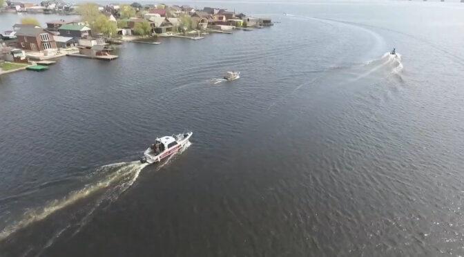 Рятувальники, працівники поліції та екологи провели спільний рейд акваторією Дніпра на Черкащині