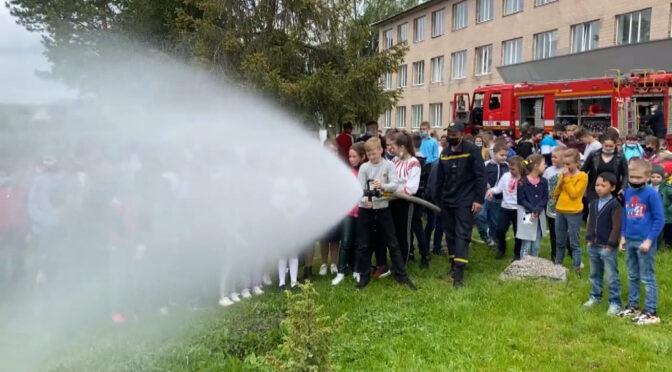 Смілянські рятувальники провели акцію «Запобігти. Врятувати. Допомогти» у Балаклеївському ліцеї