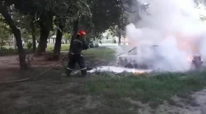 У Черкасах під час стоянки через ймовірне замкнення електропроводки згорів автомобіль «Ford»