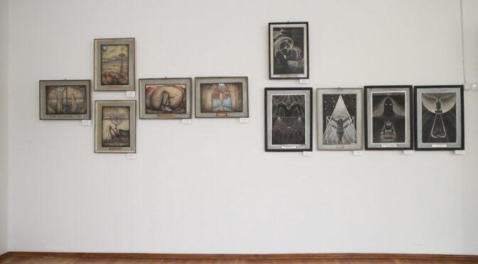 Вперше у Черкаському художньому музеї експонуються картини художника Володимира Крамаренка «Революція свідомості»