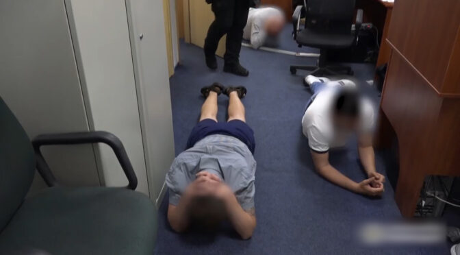 У Черкасах затримали колекторів, які шантажували людей порнографічними матеріалами