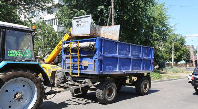 У «Новій якості» пояснили, чому забрали контейнери для негабариту, а не сміття