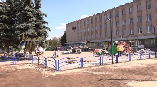 У Смілі завершується будівництво дитячого інклюзивного майданчика