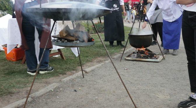 Фестиваль вуличної їжі, організований до Дня міста, пригощав черкащан різноманітними стравами