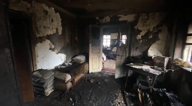 Хлопчик спалив будинок, але врятував братика