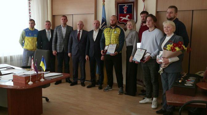 Черкаські паралімпійці отримали відзнаки від міського голови