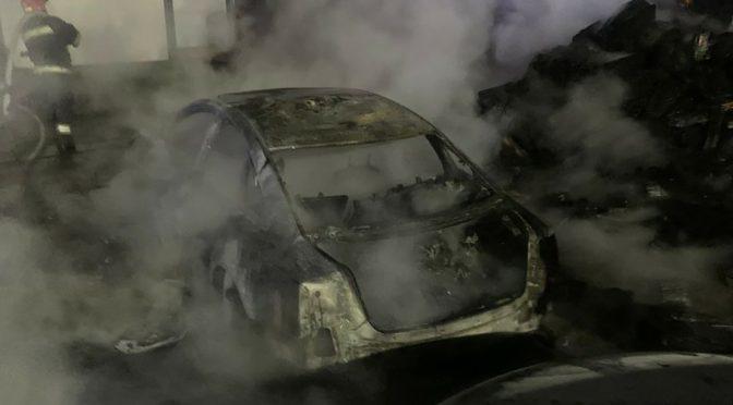 У Черкасах згоріли три автомобіля